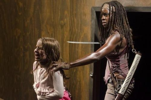 File:Ep 8 Michonne and Penny.jpg