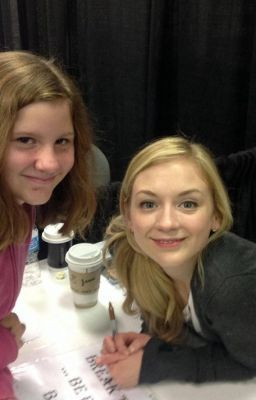 File:Emily with a cute girl fan shes so lucky to have met EK.jpg
