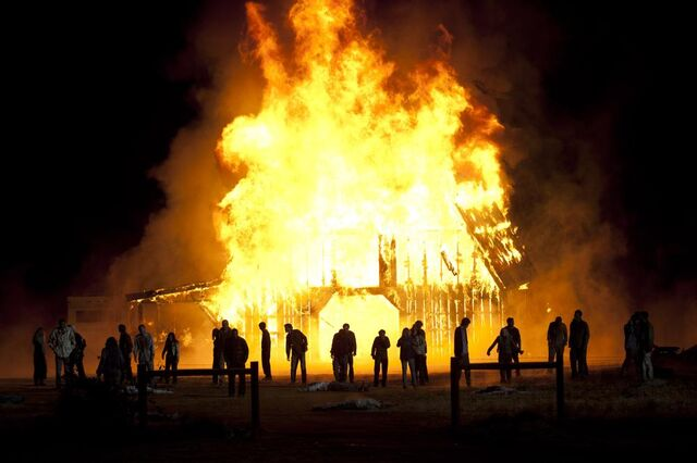 File:1000px-Episode-13-barn-burn.jpg