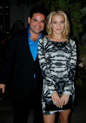 File:Juan and Laurie.jpg