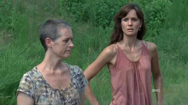 File:The-Walking-Dead-1x05-Wildfire-Carol-Lori-Grimes-Cap mid.jpg