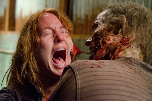 File:Paula-Gets-Her-Face-Eaten-in-The-Walking-Dead-Season-6-Episode-13.jpg