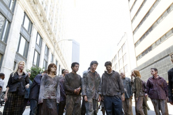 File:Walkers In Atlanta, 1.jpg