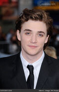 Kyle-gallner-nightmare-elm-street-los-angeles-1hGTWr