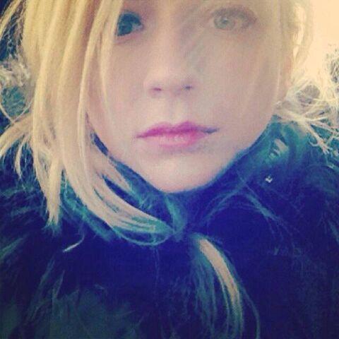 File:Emily Kinney so beautiful and cute like a doll or an angel.jpg