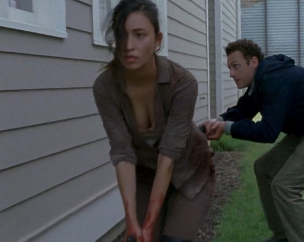 File:Rosita and Aaron.png