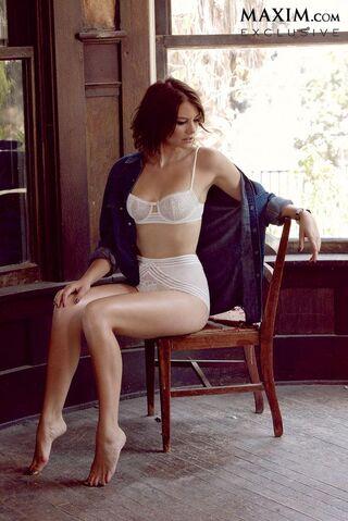 File:Lauren Cohan sexy maxim 3.JPG