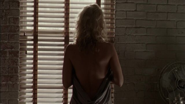 File:Andrea naked 3x06.jpg