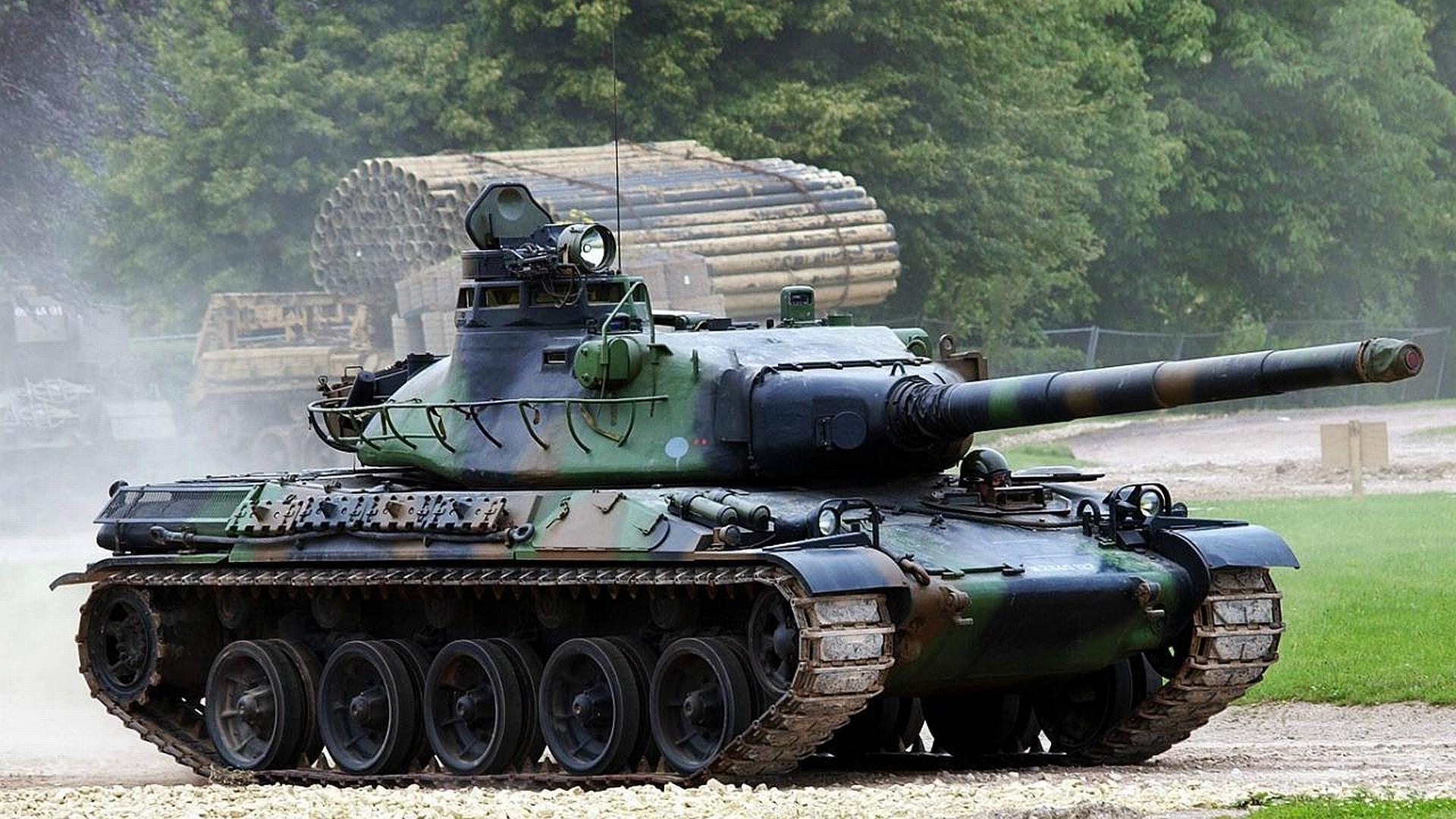 Пенсионер AMX-30V еще послужит Родине.