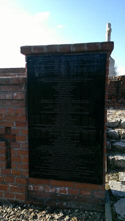 Cmentarz choleryczny 2015 tablica pamiątkowa.jpg