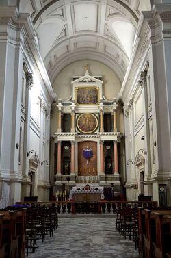 Prezbiterium kościół Wszystkich Świętych.JPG