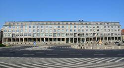 Ministerstwo Gospodarki Plac Trzech Krzyży.JPG