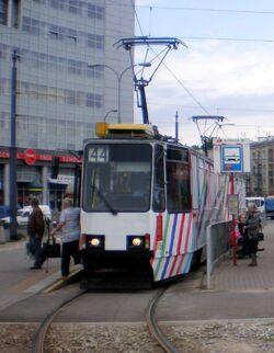 Wiatarczna tram44.JPG