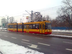 8 na ulicy Powstańców Śląskich (by Kubar906).jpg