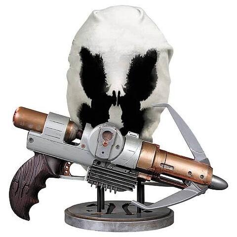File:Grappling Gun and Mask prop set.jpg