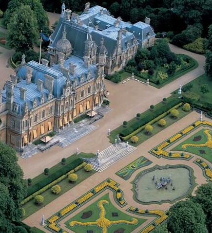 File:Rothschild'sWaddesdonManor.jpg