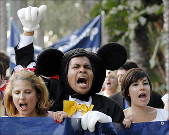 Mickey-mouse disneyland hotel workers protest