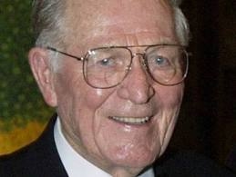 File:Old Richard Winters.jpg