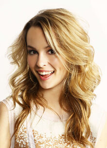 Bridgit-mendler-at-z100s-jingle-ball-2012-photoshoot-02