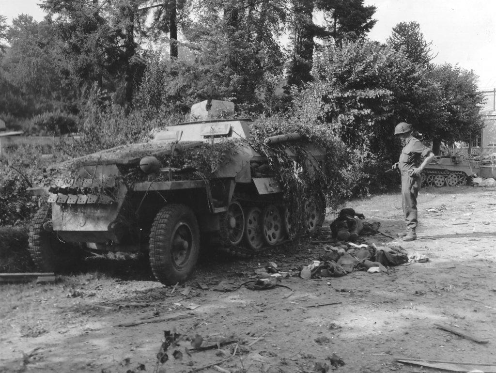 Sdkfz 251 world war ii wiki fandom powered by wikia - French div 2 ...