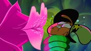 S1e13a Giant plant about to kiss Wander - close up