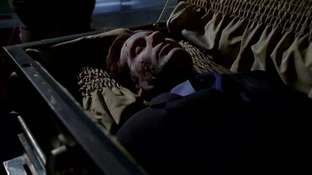 File:Fox Mulder in coffin.jpg