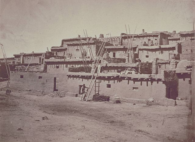 File:640px-Timothy H O'Sullivan - Section of South Side of Zuni Pueblo - GEH 197900140050.jpg