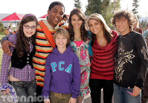 Image - Zoey-101-cast-...