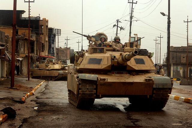 File:LAND M1s 3-ID Iraq Tal Afar lg.jpg