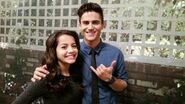 Isabela and Max in 1x25