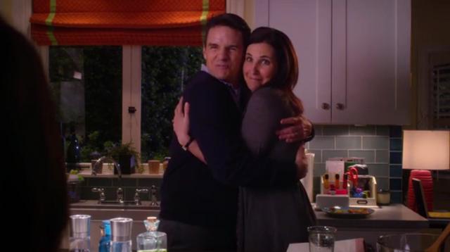 File:Mr and Mrs Martin hug.PNG