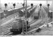 Bundesarchiv Bild 183-1986-0418-002, Rostock, Güterbahnhof