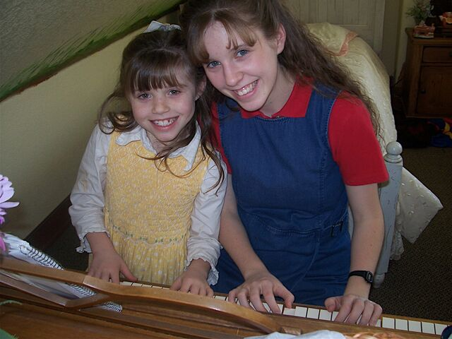 File:JILL & JOY ON PIANO.JPG