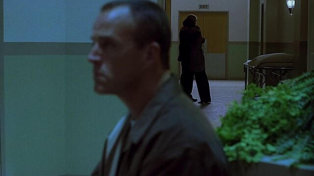 File:1x06 St. Mark's corridor 2.jpg
