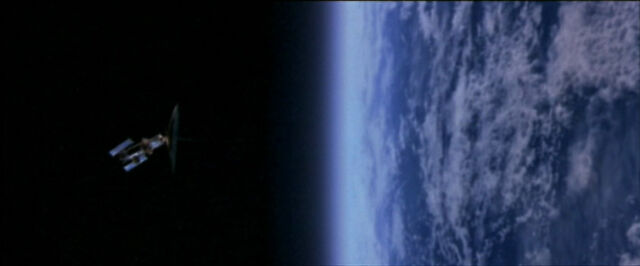 File:1x01 Earth.jpg