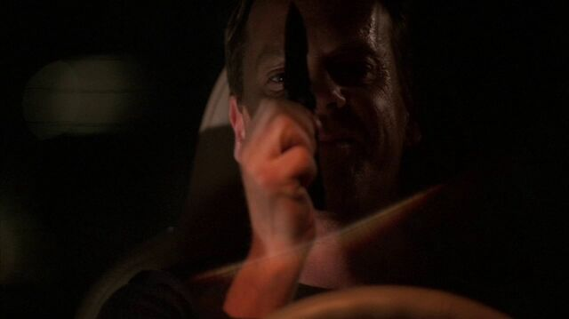 File:4x14 Jack with knife.jpg