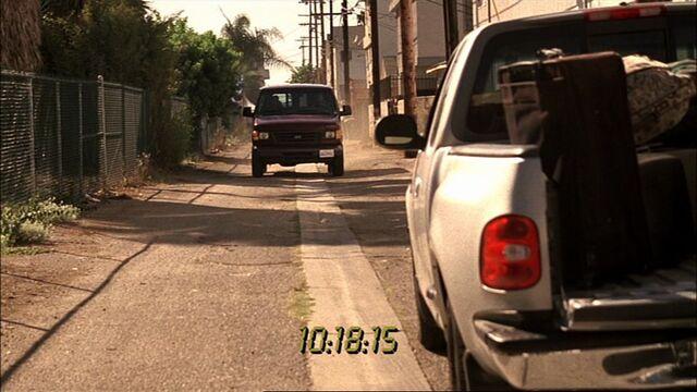 File:6x05 Alley.jpg