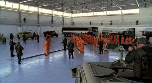 Archivo:Prisoners.jpg