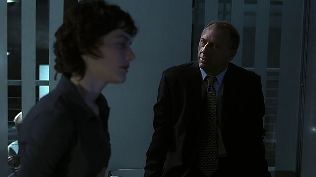 File:1x23 George in office.jpg