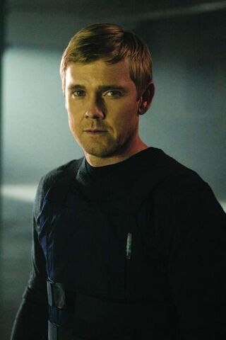 File:24- Rick Schroder in Day 6.jpg