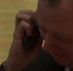 File:5x16 Logan phone.jpg