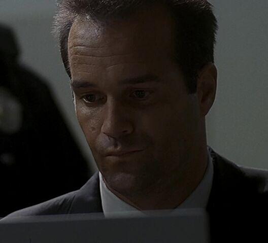 File:1x05 CTU agent.jpg