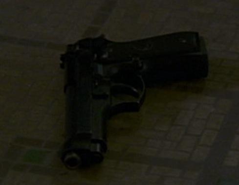 File:3x02 Beretta 2.jpg