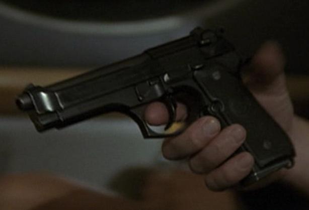 File:3x07 Beretta.jpg