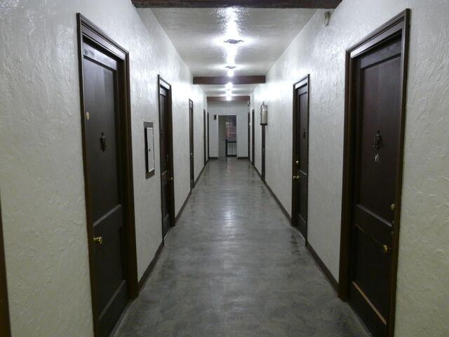 File:White corridor.JPG