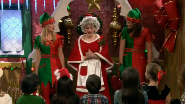 File:Christmas Episode 8.png