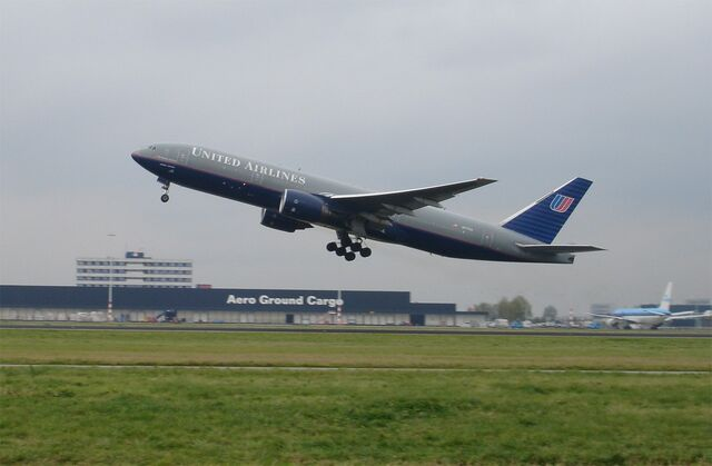 File:United Airlines aircraft taking off at Schiphol Airport.jpg