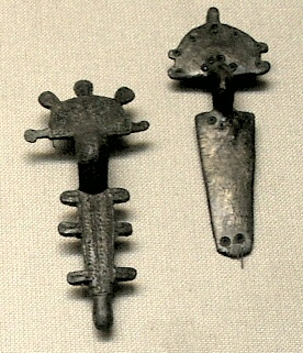 File:VisiBrooches.jpg