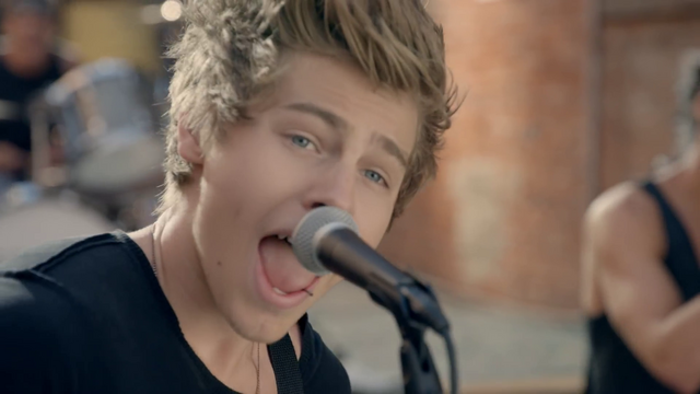 File:5 Seconds of Summer - She Looks So Perfect - 5 Seconds of Summer Wiki (6).png