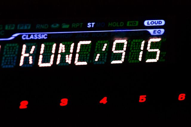 File:Car stereo 44-segment display.jpg